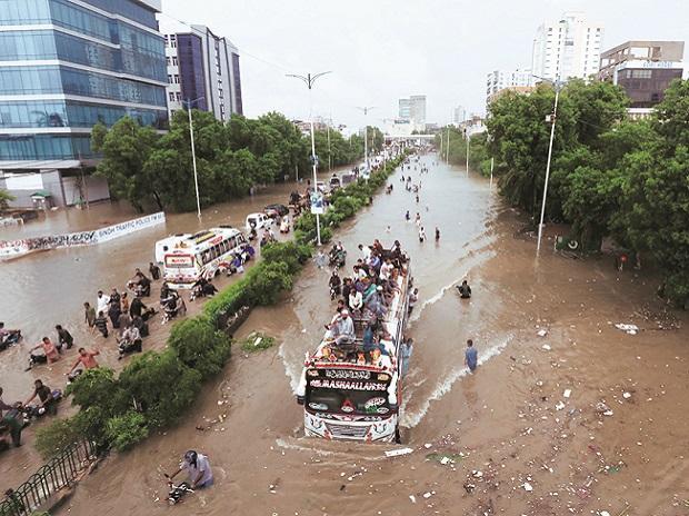 اسلام آباد میں بارش نے تباہی مچادی:ماں اور اس کا معصوم بچہ پانی میں ڈوب گئے