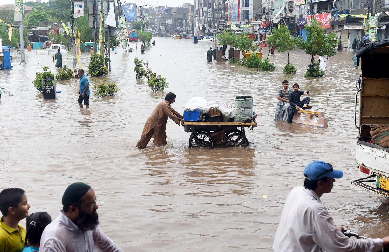 انڈیا نے دریائے چناب میں پانی چھوڑ دیا: پاکستان میں سیلاب کا خطرہ