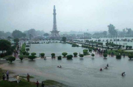لاہور میں دوسرے روز بھی شدید بارشوں کا سلسلہ جاری :8 افراد جاں بحق ؛30 سے زائید افراد زخمی
