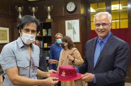 گورنمنٹ کالج یونیورسٹی لاہور کا رمیز راجہ کو خراجِ تحسین