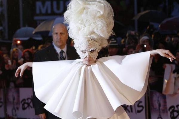 Lady Gaga First on People Magazine's Best-dressed List