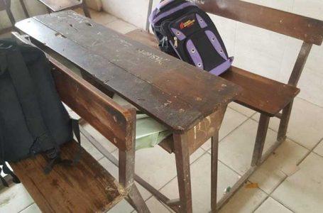 سندھ میں طلباء 27 ہزار کی ڈیسک پر پڑھیں گے یا 5 ہزار کی ڈیسک پر